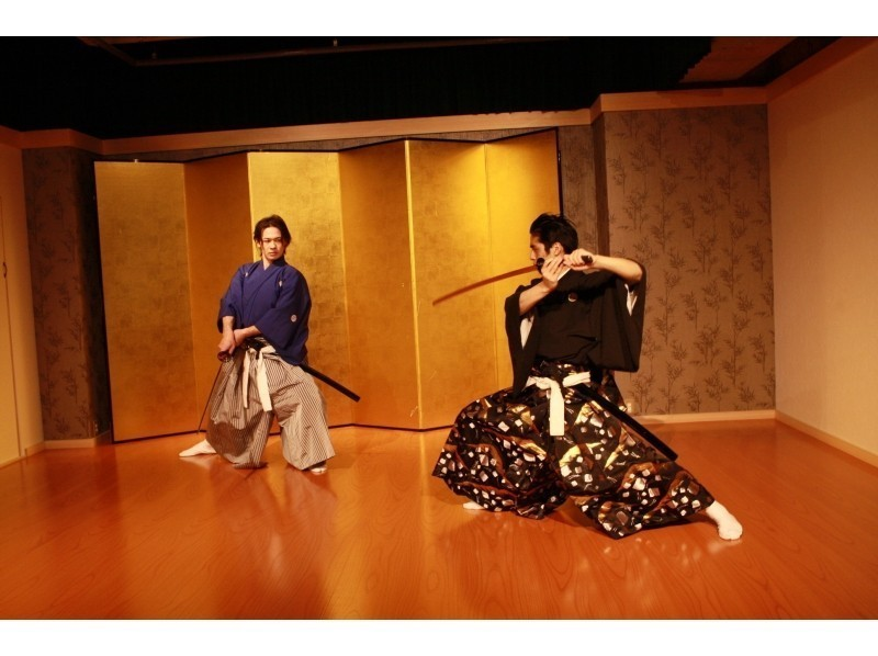 [Kyoto Samurai experience] of demonstration seen in front of a real sword dance by the teacher who show introduction image