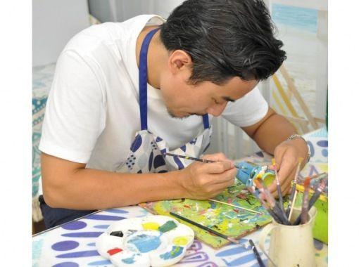 """[沖縄那覇]從國齋街步行10秒!孩子們可以輕鬆感受到的"""" Shisar繪畫體驗""""の紹介画像"""