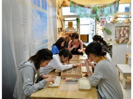 [沖縄那覇]飾品製作配件-讓我們使用天然石材和貝殼製作原始配件!の紹介画像