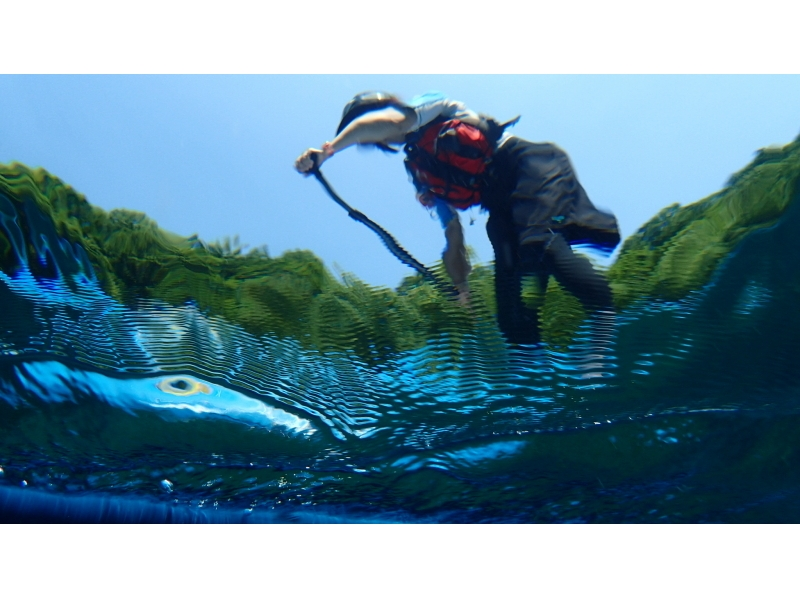 Cruising the high Shikotsuko of the lake surface of Hokkaido · SUP experience] transparency! SUP experience introduction image of (half-day course)