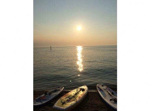 【淡路島】非日常を堪能。優雅なサンセットSUPを満喫【イタリアン付・1組限定プライベートツアー】