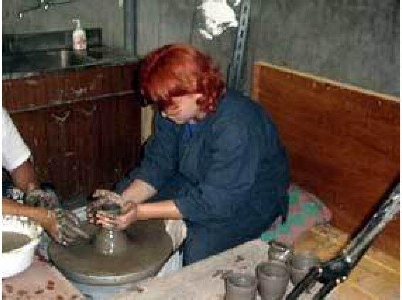 【北海道・陶芸体験】手びねりとろくろ、それぞれの手法で1点ずつ作陶できるお得なプラン!の紹介画像