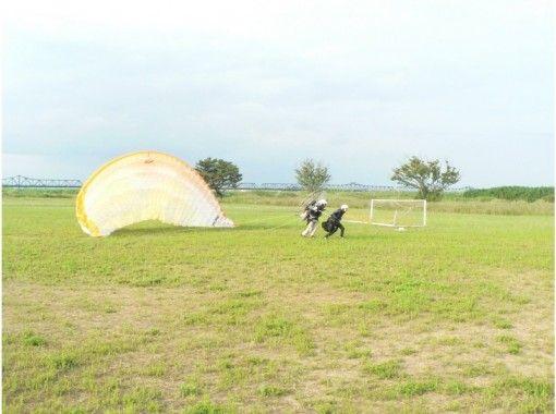 【静岡・天竜川】モーターパラグライダー「タンデムフライト体験」(15分コース)12才から体験OK!
