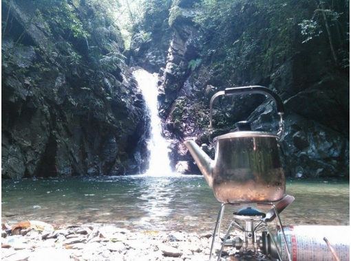 【沖縄県・国頭郡大宜味村】手付かずの滝を目指す中級トレッキングツアー