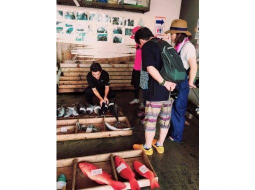 【沖縄/西海岸・東海岸】読谷のご当地グルメと食文化を探る、ガイドツアーむら巡(みぐ)い「都屋コース」