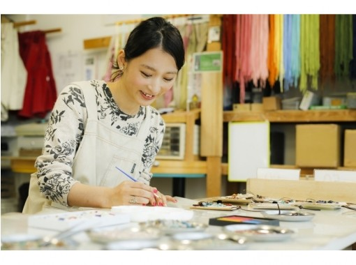 【島根/松江・島根半島】石の凹凸が、立体感を生むアート作品に! 天然石を使った貼り絵作り体験