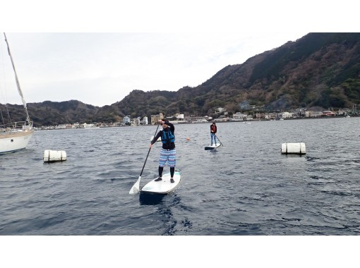 [Shizuoka / Numazu / Izu Nagaoka] The No. 1 guide supports the sea in Numazu. Stand on the board and sway the sea. Experience the hottest SUP now! (Beginner course, half day)の紹介画像