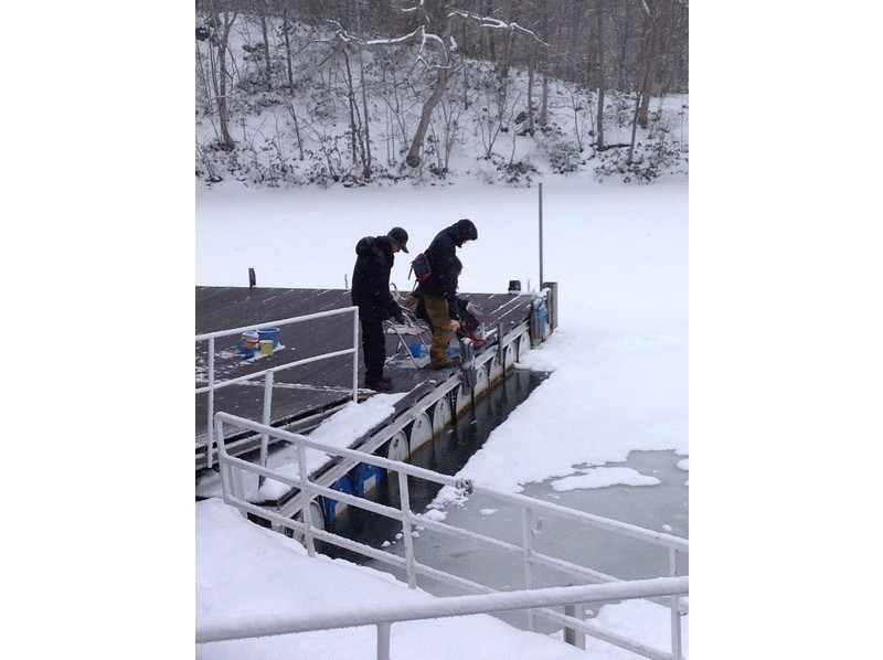 [Hokkaido Hakodate] winter classic experience! Ice smelt fishing introduce image in Onuma Quasi-National Park
