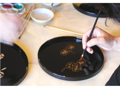 【石川・金沢】創業200年漆器の老舗で伝統文化を体験しよう「蒔絵体験」小学生から体験できます!
