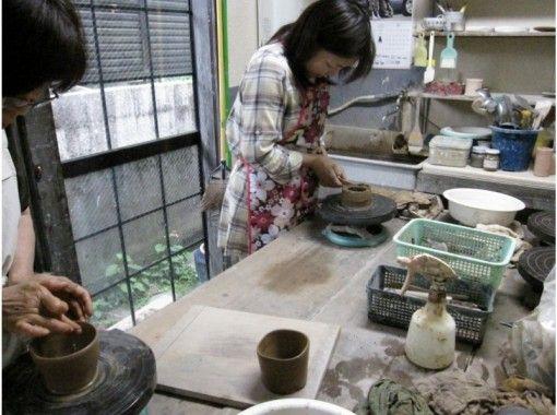 【宮城・仙台】陶芸体験~あなたの思いのままを形に!プロ指導の「手回しろくろ」でオリジナルを作ろう!
