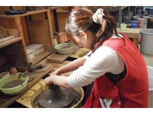 【千葉・袖ケ浦】電動ろくろで陶芸体験~9才からOK!旅の思い出にもぴったり!手ぶらで参加できます