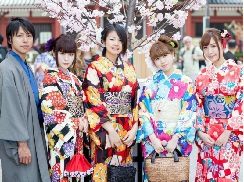 You can choose from [Kanagawa, kimono rental total number of 1,000 pieces! 4-minute walk from Kamakura Station! Let Introduction image to stroll the ancient capital of Kamakura