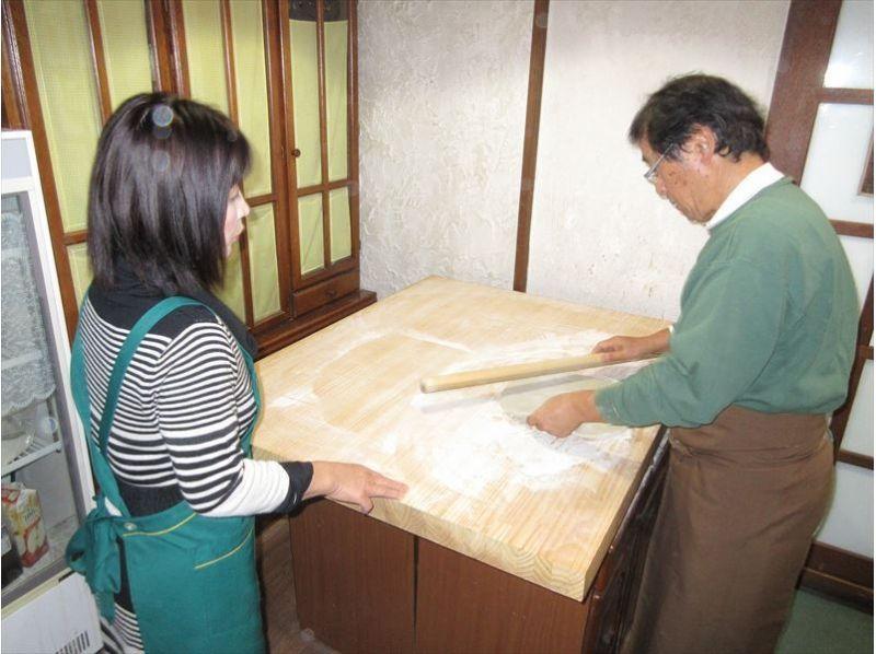 【長野・北志賀高原】信州旬なきのこの天ぷら付き!そば打ち体験の紹介画像