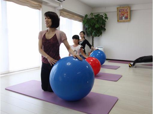 【熊本・熊本市】活用法いろいろ。バランスボール エクササイズを体験