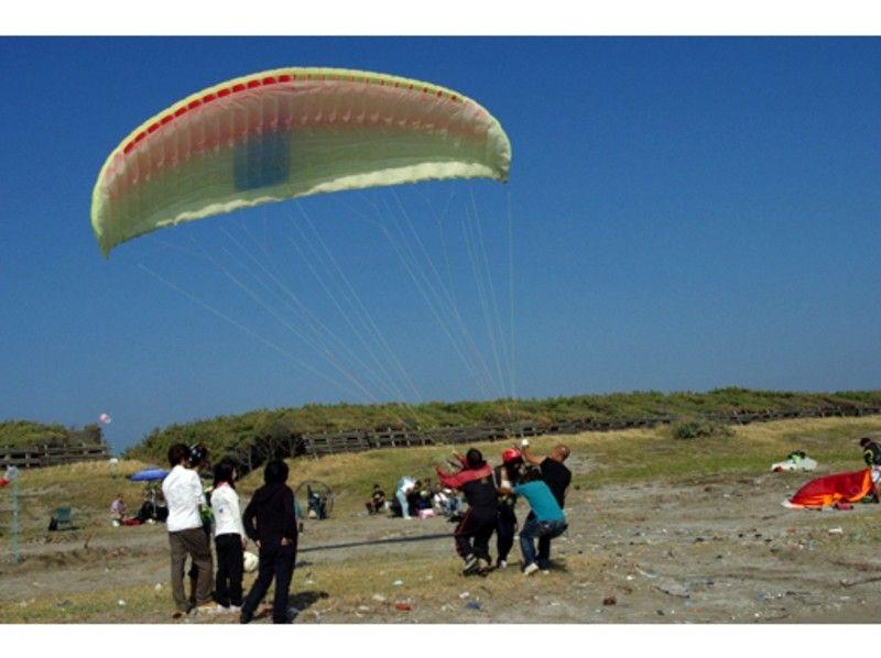 [Chiba ・ Futtsu / Minami Boso]Motor Paraglider Tandem flight experience (1  day course)