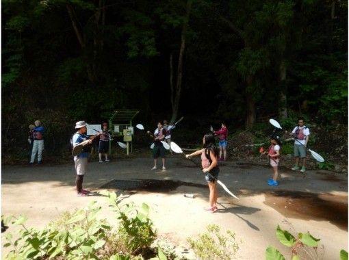 竜神大吊橋と日本一高いバンジージャンプを見上げて★湖面の爽快なカヌーツアー
