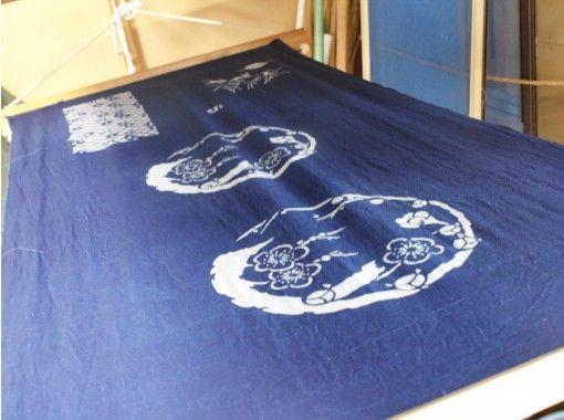 【大分・中津】染物職人に学ぶ!小紋型で「藍染・ものづくり体験」。の紹介画像