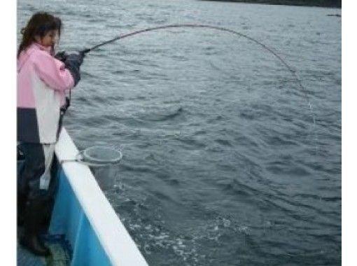 【静岡・熱海】乗合いで「コマセ釣り」初心者コース~女性・お子さま・お一人様も大歓迎!