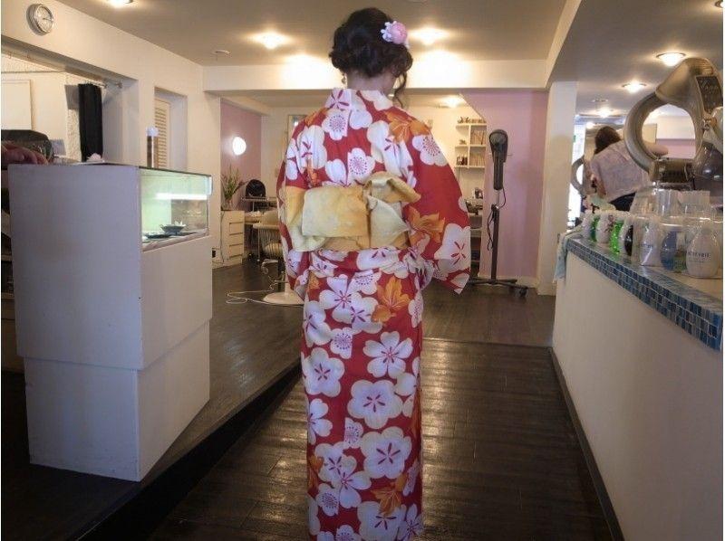 【Shonan · Kamakura · Kimono rental】 Summer walk with yukata course (for men and women) Introduction picture with simple hair arrangement