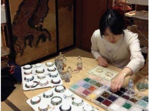 【長野県・長野市】善光寺の宿坊内で天然石ブレスレットの手作り体験!