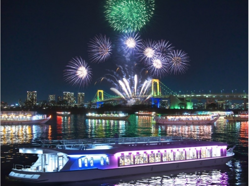 【Tuesday, August 1】 Introduction image of Koto Ward fireworks display from the Yakata boat in 2017 (from a boat / two people)
