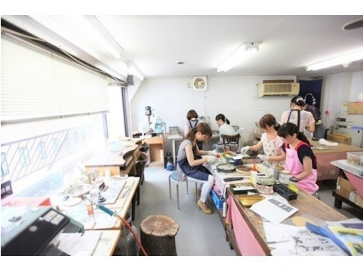 [Osaka Umeda] Cloisonne one day experience Fashionable advanced ☆ Pendant brooch making experience ☆ Copper plate + glass course ♪の紹介画像