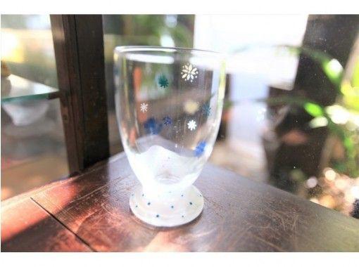 【大阪梅田】玻璃画一日体验☆有趣的玻璃工艺品烤出五颜六色的颜料♪の紹介画像