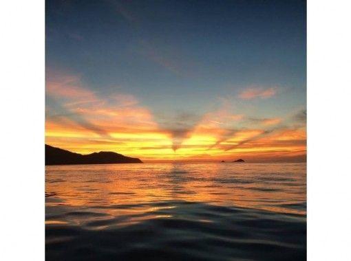 【福岡・福岡市・クルージング】平日割引あり!博多湾サンセットクルージングプラン