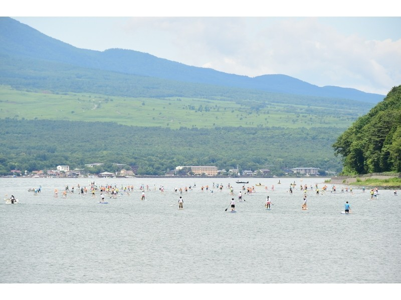 6/25 Lake Yamanaka SUPer Marathon 11 km · Surfboard class / 11.5 Ft or less Introduction image of hard or air injection type