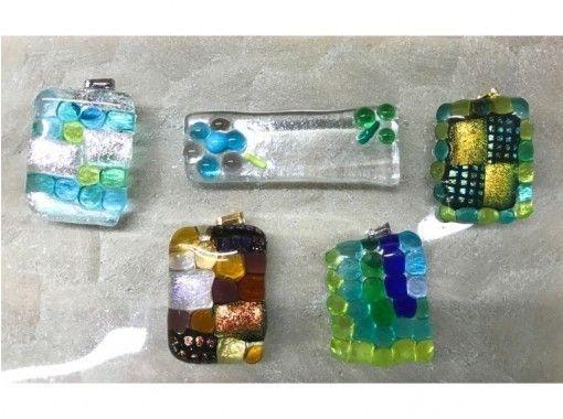 【東京・高円寺】駅徒歩6分!ガラスプレートで箸置きやアクセサリーを作ろう!簡単ガラス細工(30分)の紹介画像