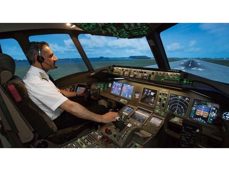 飛行機フライトシミュレーター120分 ※6名様利用時お1人様6480円の紹介画像