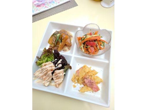 【奈良・生駒】奈良県初の小鳥カフェでランチを楽しもう!ドリンク&デザート付き