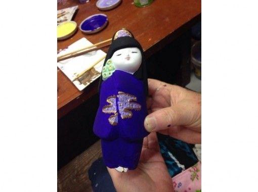 【福岡・博多】博多の伝統工芸に触れる~博多人形絵付け体験~(金、土、日、月 開催)