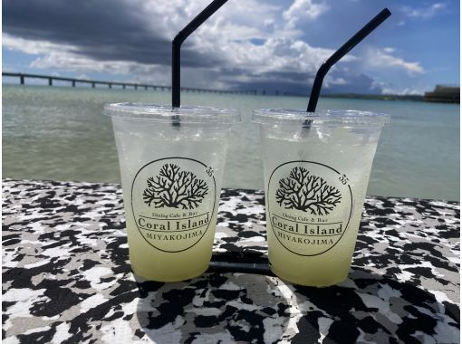 [Miyakojima / SUP] You can land on a phantom island (Uni no Hama) on request! Safe and comfortable with small boats running side by side. Limited time offer April-October Craft Ginger Ale Service!の紹介画像