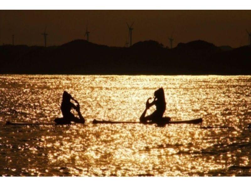 【千葉・銚子】絶景!ロケ地で人気の屛風ヶ浦を眺めながら「SUPクルージング&SUPヨガ」体験の紹介画像