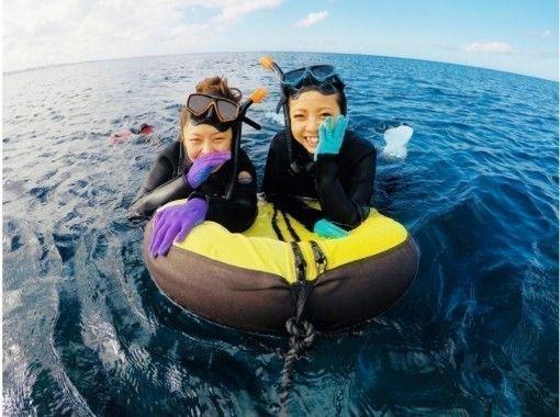 【沖縄・感動シュノーケル】サンゴ礁と熱帯魚の餌付け満喫ツアー!写真&動画無料♪ 沖縄人ガイド♪