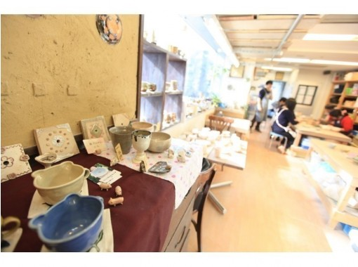【东京青山】皮革工艺一日体验☆手工手镯和钥匙扣的体验♪の紹介画像