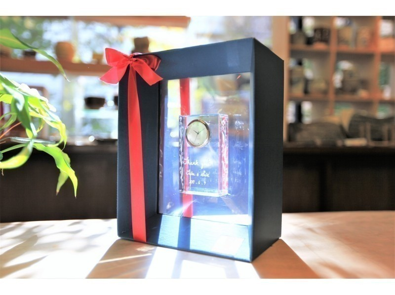 【東京☆新橋駅歩5分  ガラス時計ギフトコース】いつまでも心に残るプレゼント☆サンドブラスト時計の紹介画像