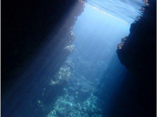 [沖繩恩納]鏡頭無限的號碼!高級美人魚與藍色洞穴潛水の紹介画像