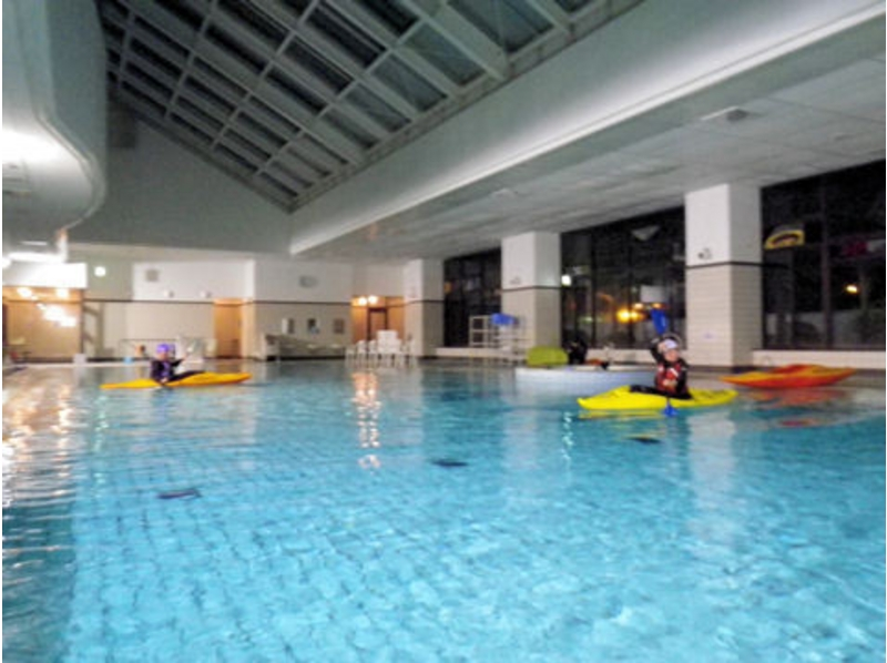 [Application in Furano 3-5 people] pool de kayak (the boat + paddles bring-your-own) of the introduction image