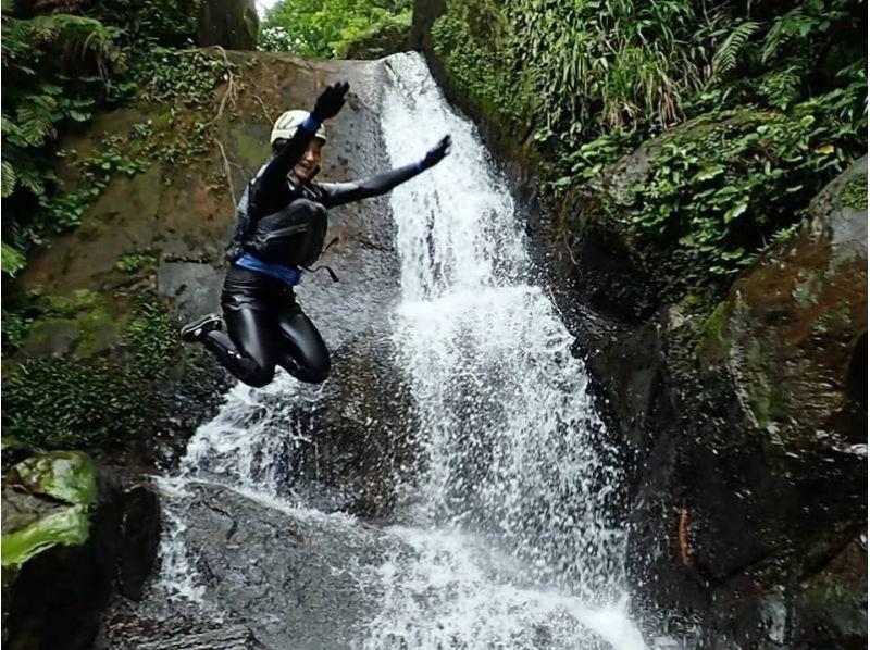 【沖縄・西表島】カヤック&キャニオニング!西表島の大自然を満喫できるツアー!写真・ランチ付きの紹介画像