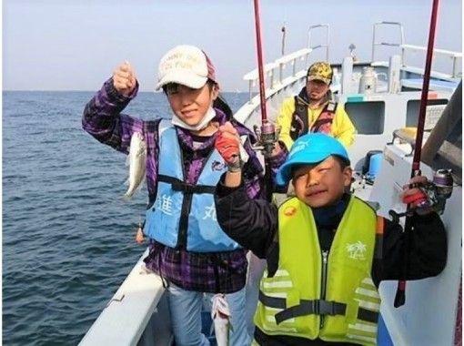 【神奈川・金沢八景】初心者・女性・お子様大歓迎!船釣りを楽しもう「午前:シロギス・午後:季節もの」