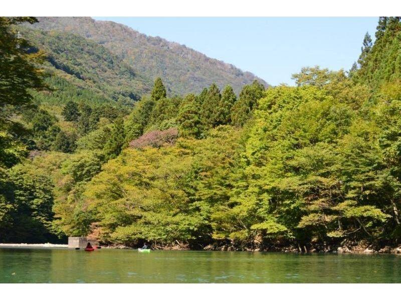 【栃木・那須】板室ダム湖カヤック体験ツアー(シングルカヤック:那須エリア)の紹介画像