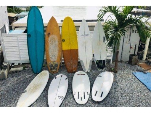 【沖縄・北谷】種類が豊富!!サーフボード&ウェットスーツレンタル(経験者向け)