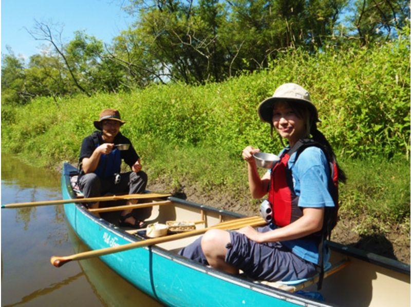 [Hokkaido Kushiro River] will slowly to feel the nature of the wind! Canoe experience half-day course (Kushiro River Wetland course) Introduction image