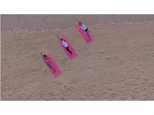 【沖縄・恩納村】波の音がBGM♪ビーチヨガ