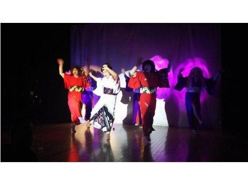 【愛知・尾張瀬戸】私がスター!スポット浴びてなりきる歌舞踊ショープラン
