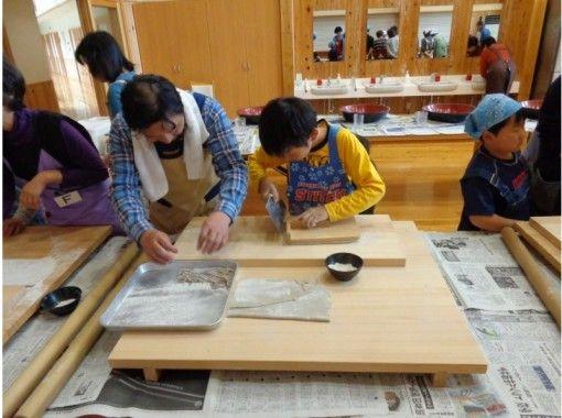 """[ยามากาตะ / Yusa-cho] รสชาติของบะหมี่โซบะที่ทำขึ้นใหม่ด้วยมือของคุณเองนั้นยอดเยี่ยมมาก! ประสบการณ์การทำโซบะ """"Kinama Soba""""の紹介画像"""