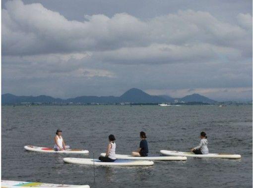【滋賀・琵琶湖】初心者も安心!SUPヨガ60分コースの紹介画像