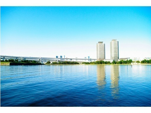【東京・豊洲発着】☆on the canalランチつき☆ぐるり一周 ♪ 東京湾周遊クルーズ(60分)